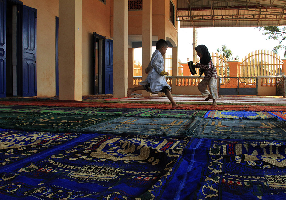 Cambodian Children in Mosque